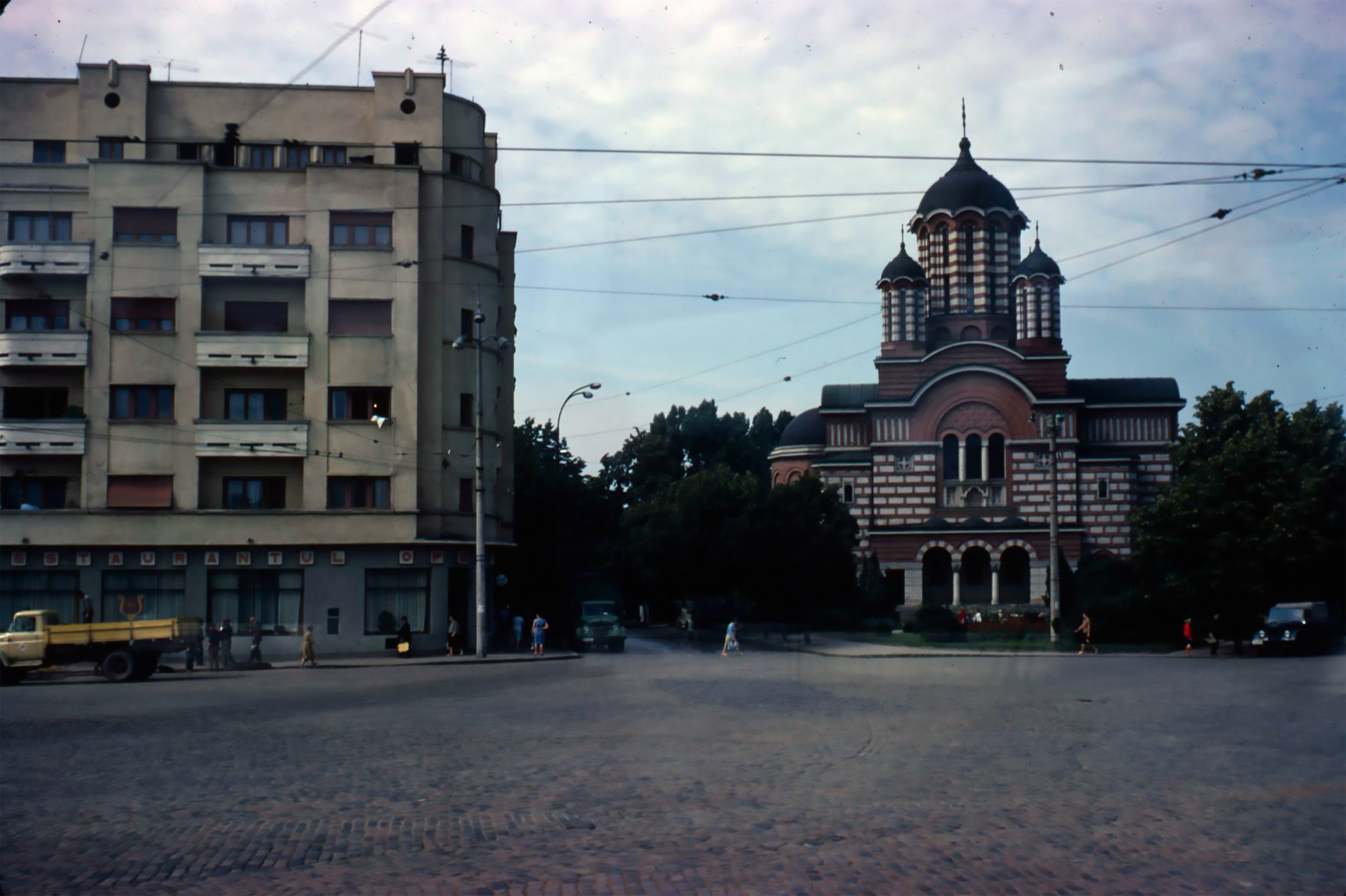 piata operei piata victor babes biserica sf elefterie nou anul 1967