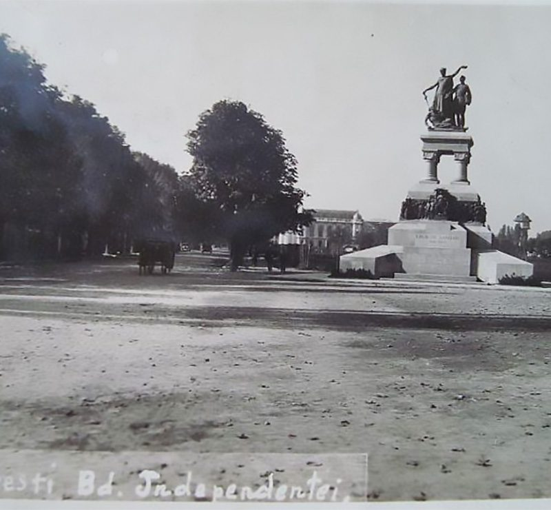 Monumentul Eroilor Sanitari anul 1934