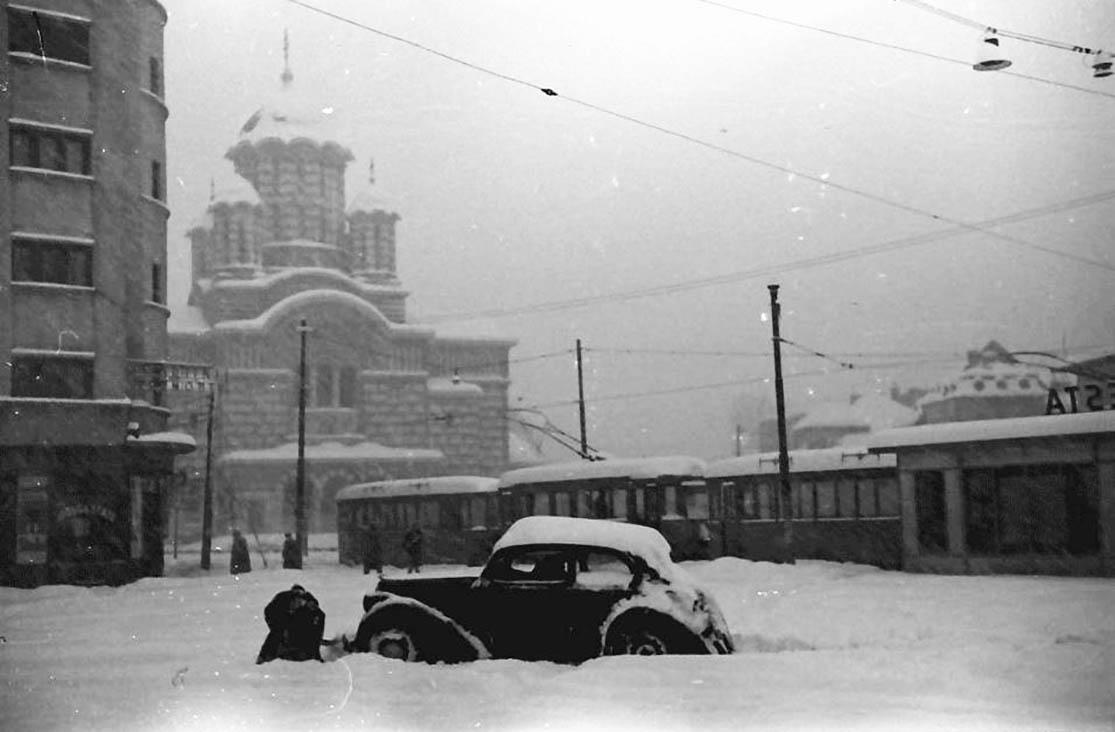 willy pragher - piata operei biserica sf elefterie 1941 iarna in cartierul cotroceni imagini vechi bucuresti foto2