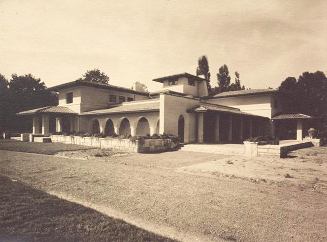 gradina botanica bucuresti cotroceni anul 1935 - cladirea restaurantului cofetarie proiectata de arhitectul Octav Doicescu - perioada interbelica 2