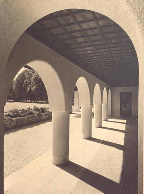 gradina botanica bucuresti cotroceni anul 1935 - cladirea restaurantului cofetarie proiectata de arhitectul Octav Doicescu - perioada interbelica 4