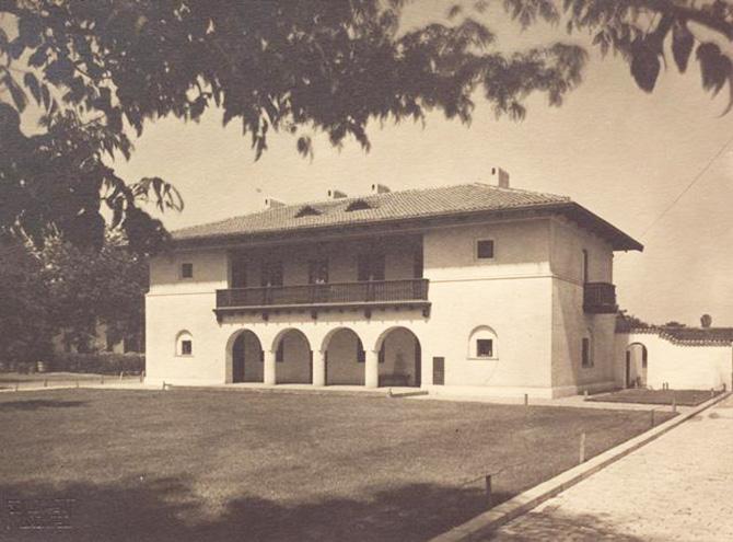 gradina botanica bucuresti cotroceni anul 1935 - cladirea restaurantului cofetarie proiectata de arhitectul Octav Doicescu - perioada interbelica 6